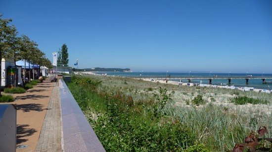 Seebrücke und Promenade in Göhren auf Rügen
